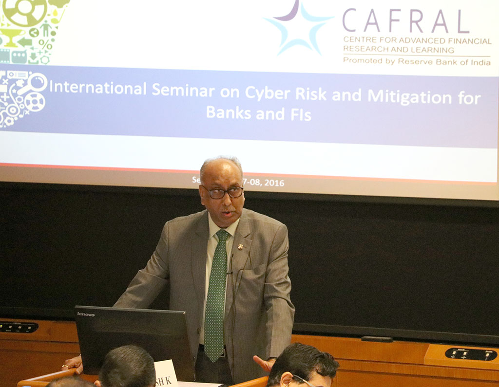 Photos from the International Seminar on Cyber Risk and Mitigation for banks and