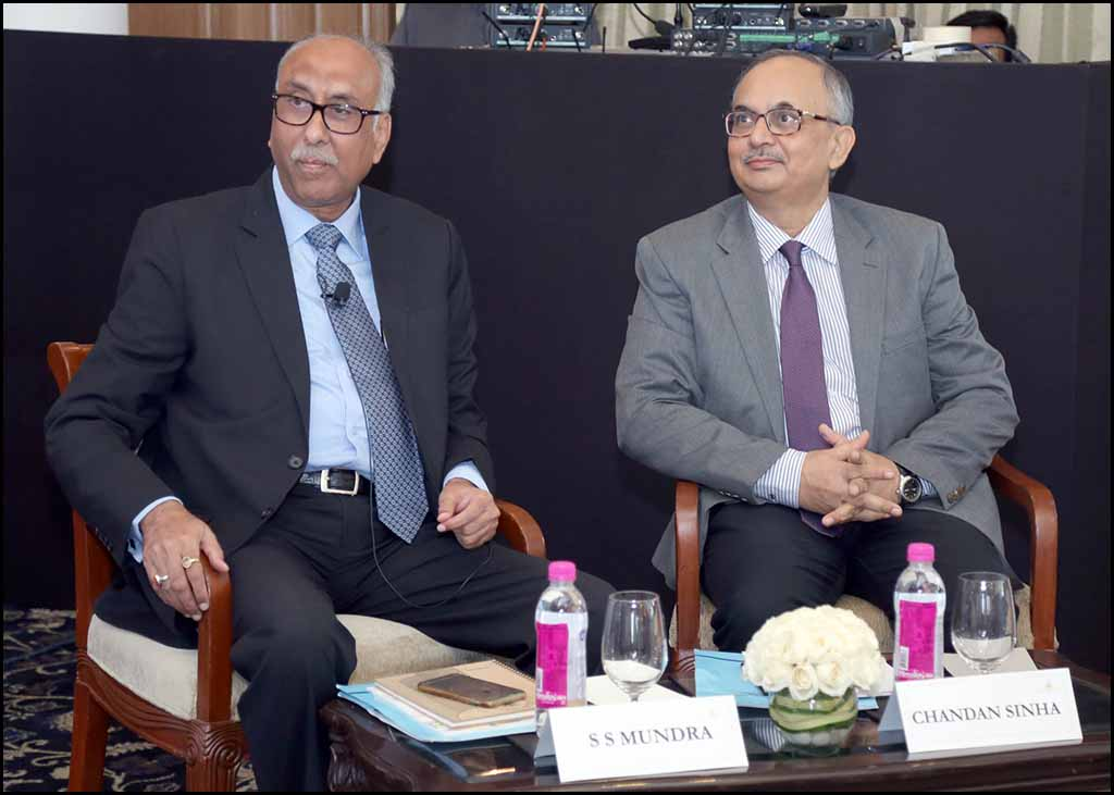 L-R: S S MUNDRA AND CHANDAN SINHA